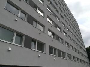 Mustamäellä sijaitseva energiatehokkaaksi saneerattu kerrostalo toimii hyvänä esimerkkinä muille alueen kerrostaloille